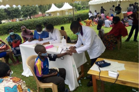 Uganda's Ishaka Adventist Hospital holds 2-day free medical camp for community